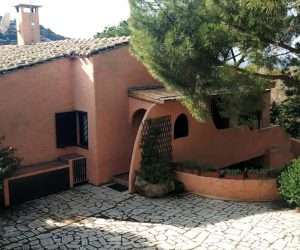 MARACALAGONIS/TORRE DELLE STELLE: semidetached villa with sea view