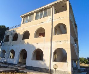 10 bed 6 bath villa, with dependance, large garden about 2 km from the beach of Sant'Andrea di Quartu.